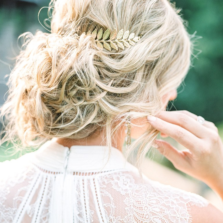 5 Bohemian Wedding Hairstyle Ideas And Accessories We're Totally With Regard To Accessorized Undone Waves Bridal Hairstyles (View 18 of 25)