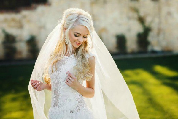 5 Wedding Hairstyles To Last All Day Throughout Blonde Half Up Bridal Hairstyles With Veil (View 6 of 25)