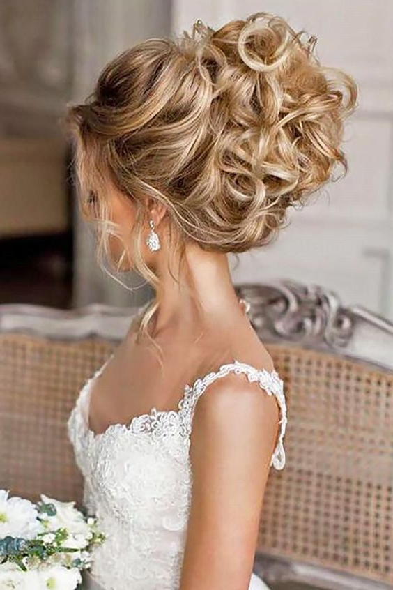 50 Chic And Stylish Wedding Hairstyles For Short Hair | Wedding Within Pulled Back Bridal Hairstyles For Short Hair (View 5 of 25)