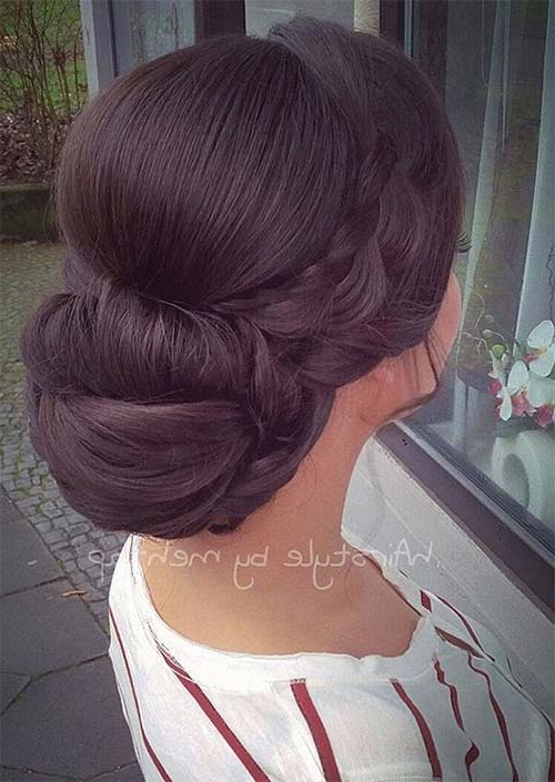 53 Swanky Wedding Updos For Every Bride To Be – Glowsly Regarding Voluminous Side Wedding Updos (View 13 of 25)
