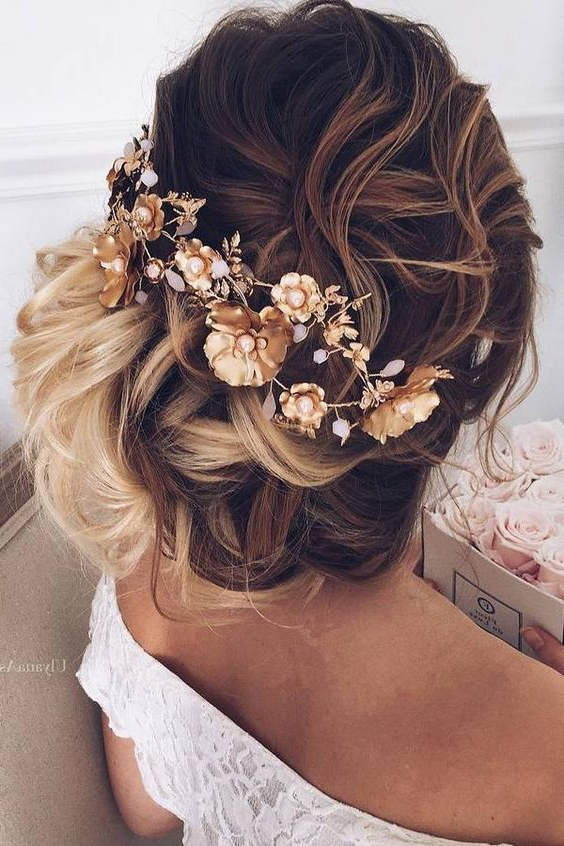 55 New Romantic Long Bridal Wedding Hairstyles To Try #2599483 For Pearls Bridal Hairstyles (View 22 of 25)