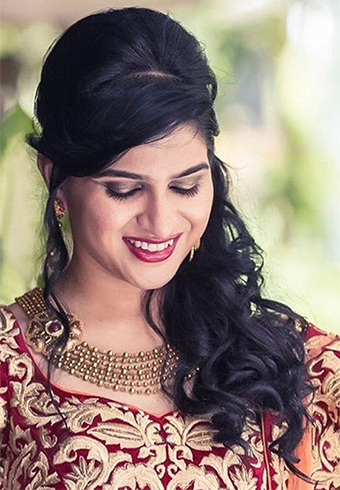 60+ Traditional Indian Bridal Hairstyles For Your Wedding With Bumped Hairdo Bridal Hairstyles For Medium Hair (View 22 of 25)