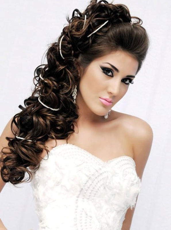 60 Unforgettable Wedding Hairstyles Intended For Large Hair Rollers Bridal Hairstyles (View 10 of 25)