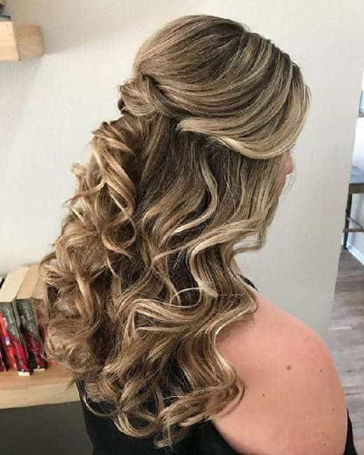 7 Gorgeous Curly Brown Hairstyles With Blonde Highlights In Half Up Curly Hairstyles With Highlights (View 13 of 25)