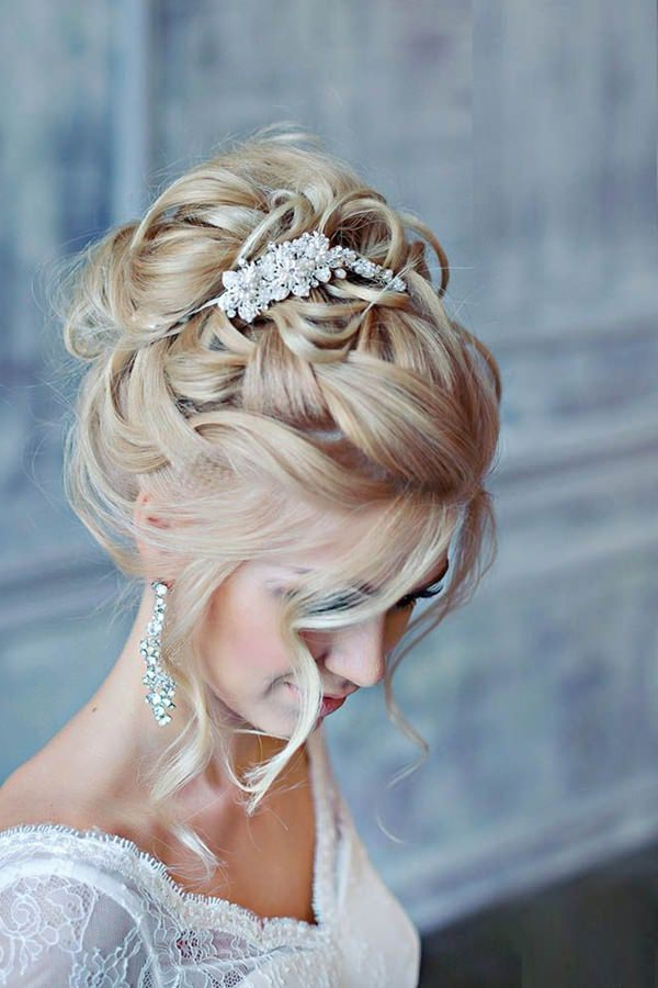 71 Wedding Hairstyles For Short, Medium & Long Hair – Style Easily Inside Large Bun Wedding Hairstyles With Messy Curls (View 22 of 25)