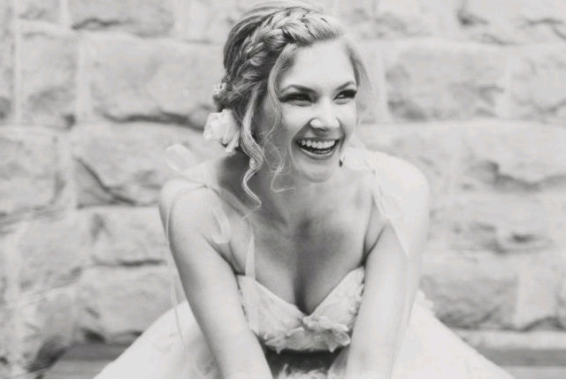 8 Half Up Half Down Wedding Hairstyles | Weddingsxp Intended For Curled Bridal Hairstyles With Tendrils (View 21 of 25)