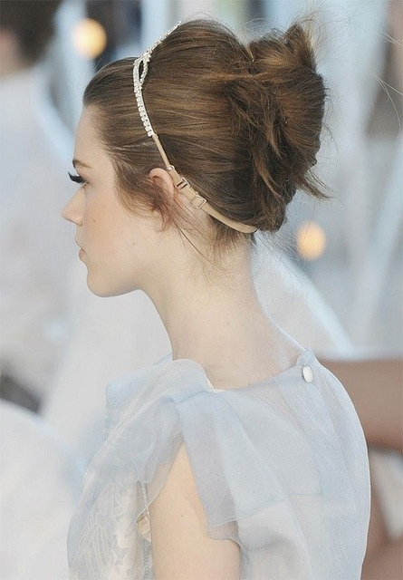 8 Swanky Wedding Updos For Short Hair | Styles Weekly Inside Short Wedding Hairstyles With A Swanky Headband (Gallery 6 of 25)