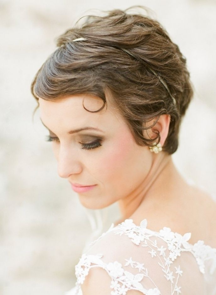 8 Swanky Wedding Updos For Short Hair | Styles Weekly Within Short Wedding Hairstyles With A Swanky Headband (Gallery 10 of 25)