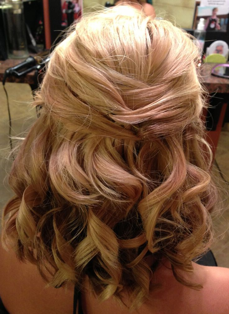 8 Wedding Hairstyle Ideas For Medium Hair – Popular Haircuts With Regard To Half Up Blonde Ombre Curls Bridal Hairstyles (View 12 of 25)