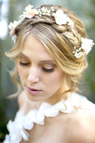 90 Best Bridesmaid Hairstyles For A Perfect Wedding – Hairstylecamp Throughout Neat Bridal Hairdos With Headband (View 8 of 25)