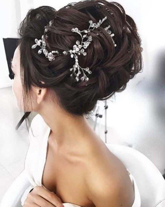 A Modern Twist On A Classic Updo With A Touch Of Sparkle – Yes, We Within Short Classic Wedding Hairstyles With Modern Twist (Gallery 5 of 25)