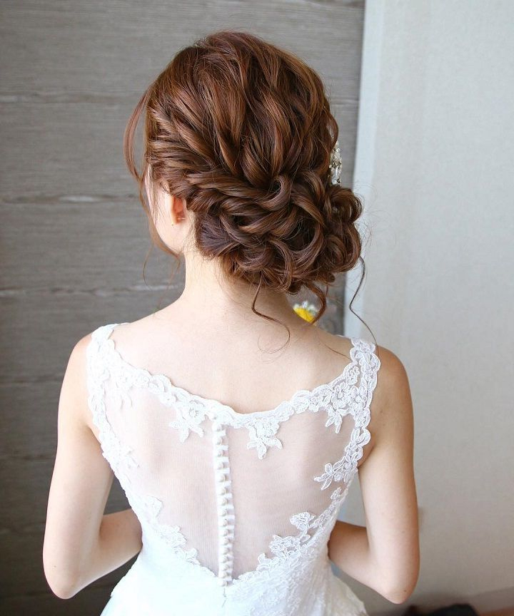 Beautiful Loose Curl Low Updo Hairstyle For Romantic Brides In Airy Curly Updos For Wedding (View 5 of 25)
