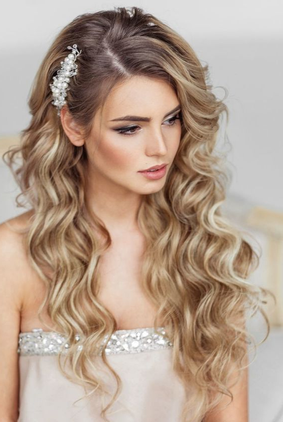 Elstile Long Wedding Hairstyle – Deer Pearl Flowers #wedding With Bohemian Curls Bridal Hairstyles With Floral Clip (View 15 of 25)