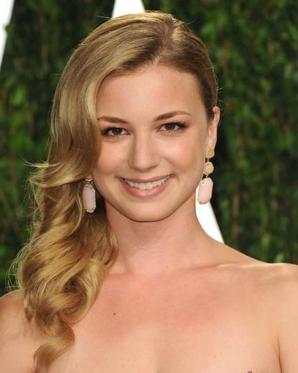 Emily Vancamp's Side Pinned Down Updo With Warm Blonde Polished Pertaining To Blonde Polished Updos Hairstyles For Wedding (View 7 of 25)