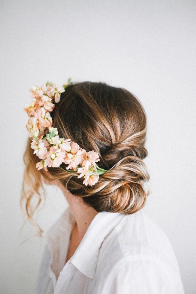 Fresh Flower Embellished Twist   Feminine Bridal Hair   Gelin Saç? pertaining to Embellished Twisted Bun For Brides