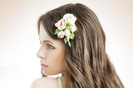 Fresh Flower Hair Pieces | Lovetoknow throughout Curly Wedding Hairstyles With An Orchid