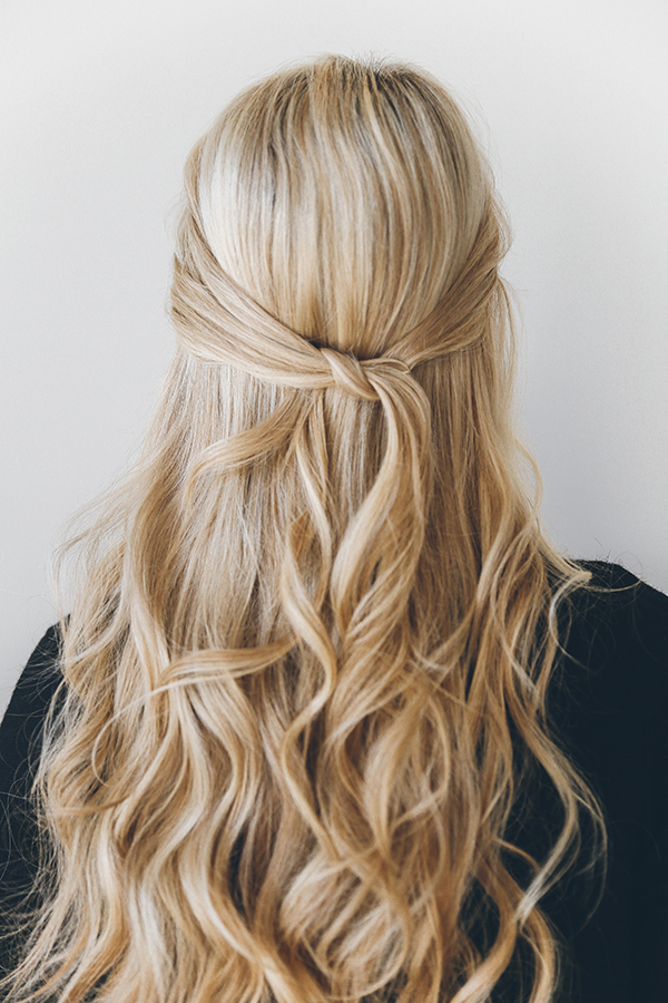 Hair How To: The 1 Minute Knotted Half Updo – Lauren Conrad Pertaining To Easy Cute Gray Half Updo Hairstyles For Wedding (View 21 of 25)