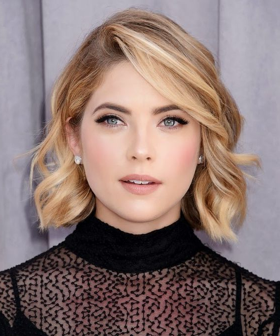 Hairstyle Ideas For A Winter Wedding | Blog | Glamcorner Within Short And Sweet Hairstyles For Wedding (View 16 of 25)