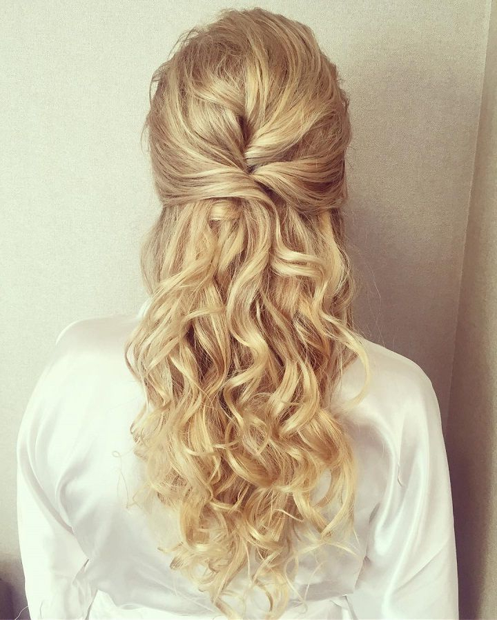 Half Up Half Down Wedding Hairstyles, Best Cuts Ideas Regarding Half Up Blonde Ombre Curls Bridal Hairstyles (View 11 of 25)