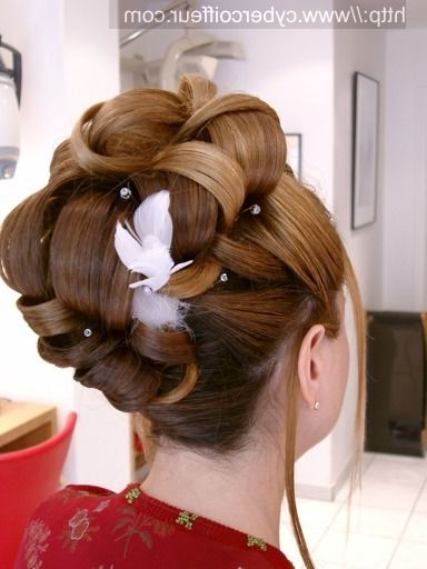 Half Updo Hairstyles For The Bride With Upswept Hairstyles For Wedding (View 3 of 25)