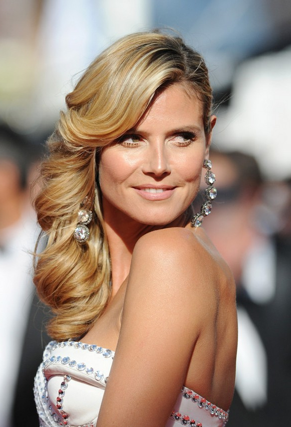 Heidi Klum Gorgeous Side Parted Long Hairstyle With Cascading Waves Inside Sides Parted Wedding Hairstyles (View 5 of 25)