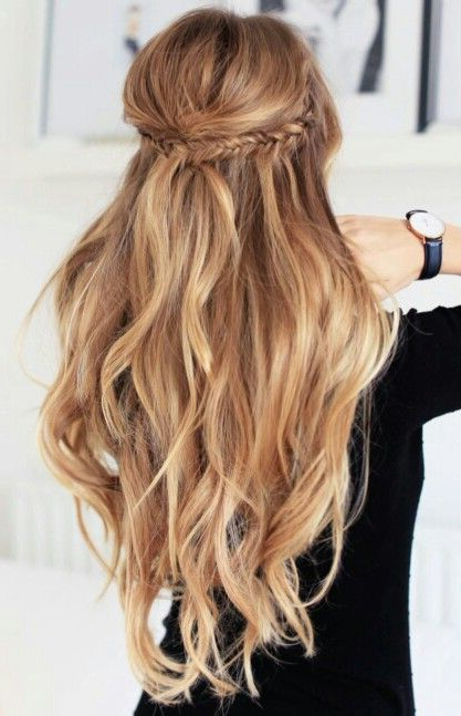 Highlights Half Up Half Down Wavy Hair #gorgeoushair | Prom <3 Regarding Half Up Curly Hairstyles With Highlights (View 5 of 25)