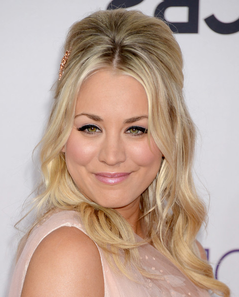 Kaley Cuoco's Bouffant Half Updo – Wedding Ready Hairstyles Throughout Bouffant Half Updo Wedding Hairstyles For Long Hair (View 22 of 25)