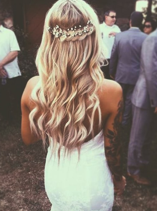 Loose Curls Hairstyles | Ecemella In Loose Curls Hairstyles For Wedding (View 25 of 25)