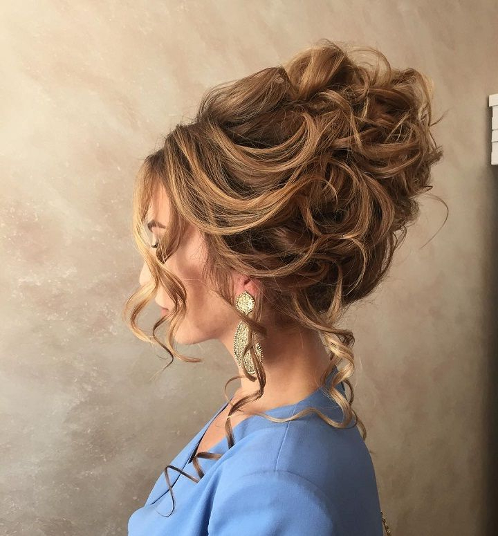 Messy Bridal Hair Updo | Hair | Pinterest | Hair Styles, Curly Hair In Wavy And Wispy Blonde Updo Wedding Hairstyles (View 3 of 25)