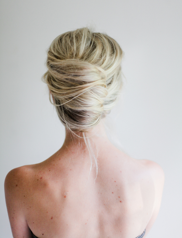 Messy French Twist Tutorial | ? Hair Styles And Hair Fashion Pertaining To Sleek French Knot Hairstyles With Curls (View 4 of 25)