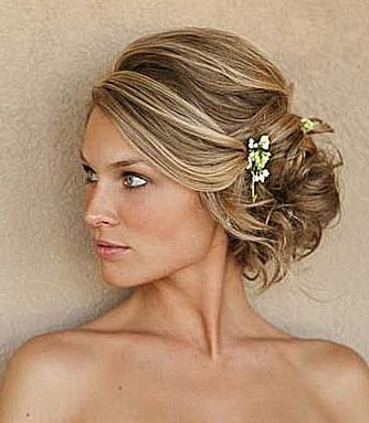 Messy Updos: The Top Casual Prom Hairstyles With Curled Side Updo Hairstyles With Hair Jewelry (View 19 of 25)