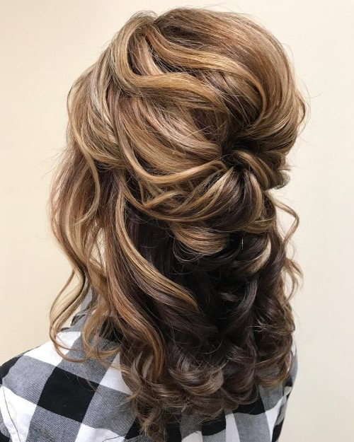 Mother Of The Bride Hairstyles: 24 Elegant Looks For 2019 Regarding Half Up Curly Hairstyles With Highlights (View 12 of 25)