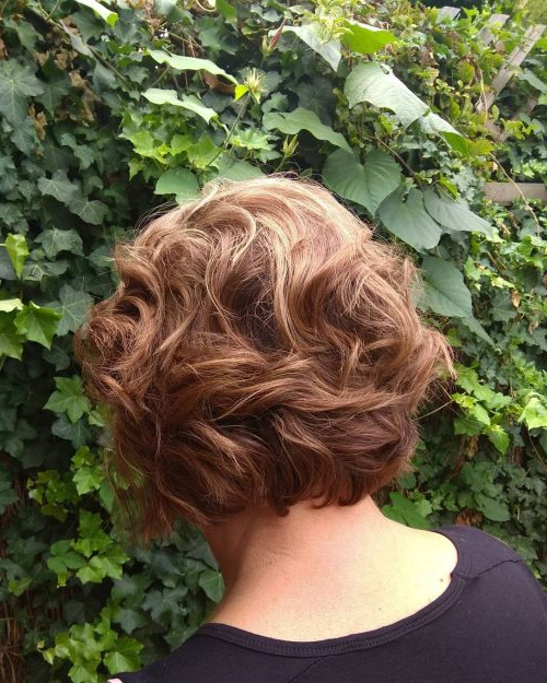Mother Of The Bride Hairstyles: 24 Elegant Looks For 2019 With Regard To Sophisticated Mother Of The Bride Hairstyles (View 10 of 25)