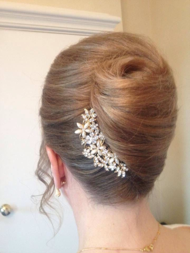 Pearls & Sparkles! French Roll With Glittery Pearl Hair Accessories With Regard To Sleek French Knot Hairstyles With Curls (View 8 of 25)