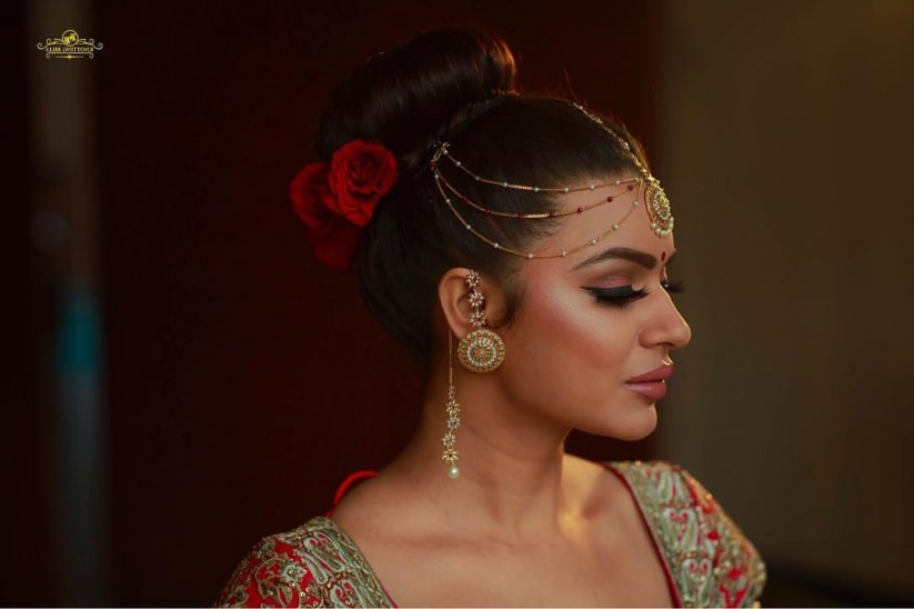 Popular Kerala Bridal Hairstyles Upgraded For 2019 Inside Sectioned Twist Bridal Hairstyles (View 24 of 25)