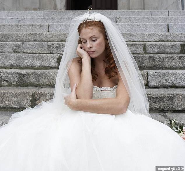 Redheaded Bride Says Nightmare Mother In Law Demanded She Dye Her For Bedazzled Chic Hairstyles For Wedding (View 18 of 25)