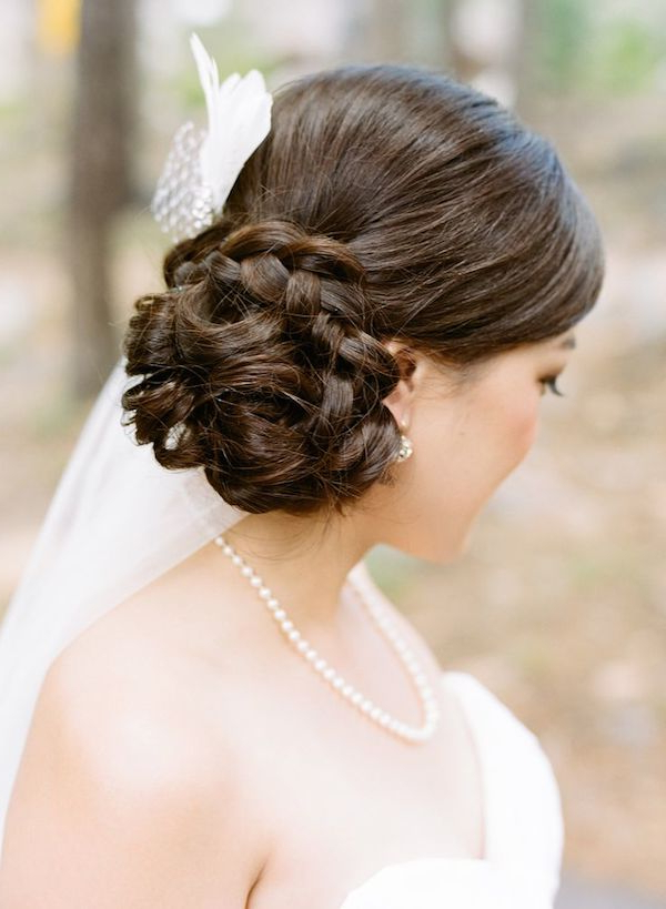 Side Swept   Side Wedding Hair With Veil Regarding Bridal Chignon Hairstyles With Headband And Veil (View 7 of 25)