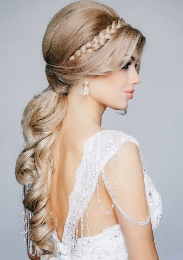 Stunning Bridal Hairstyles | Haircuts, Hairstyles 2019 And Hair With Regard To Curly Ponytail Wedding Hairstyles For Long Hair (View 15 of 25)