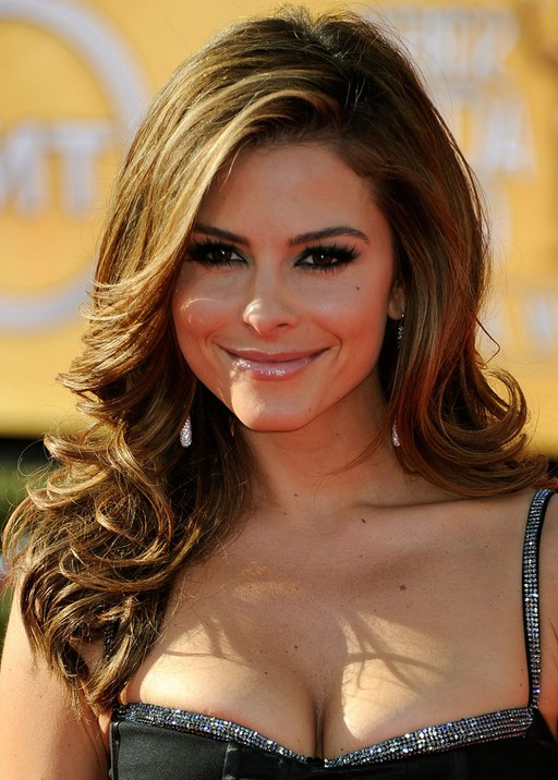 Top 40 Maria Menounos Gorgeous Hair Styles – Pretty Designs Within Sides Parted Wedding Hairstyles (View 21 of 25)