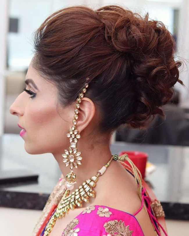 Top #41+ Indian Bridal Hairstyles For Long Hair And Short Hair Pertaining To Curled Bridal Hairstyles With Tendrils (View 15 of 25)