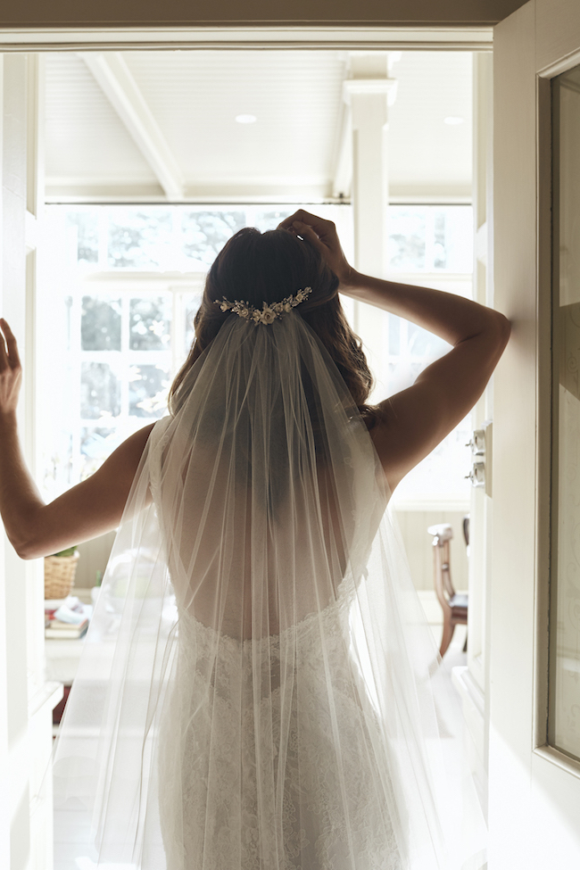 Top 8 Wedding Hairstyles For Bridal Veils Throughout Floral Crown Half Up Half Down Bridal Hairstyles (View 17 of 25)
