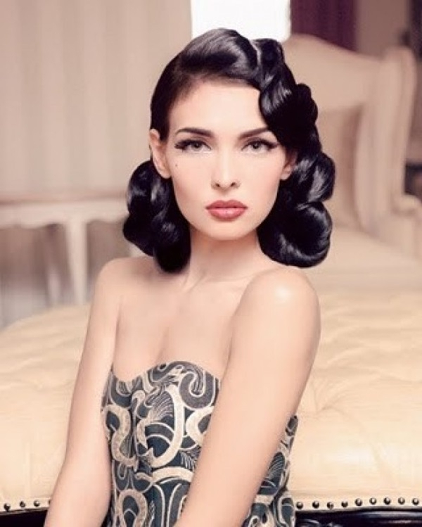 Vintage Hairstyles For Short Hair 2019 | Hairstyles For Women 2019 With Regard To Pin Up Curl Hairstyles For Bridal Hair (View 25 of 25)