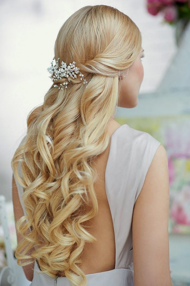 Wavy Wedding Hairstyles For Long Hair | Hairstyles | Hair Photo For Blonde Half Up Bridal Hairstyles With Veil (View 24 of 25)