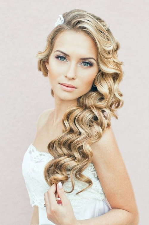 Wedding Curly Hairstyles – 20 Best Ideas For Stylish Brides Pertaining To Tender Shapely Curls Hairstyles For A Romantic Wedding Look (View 4 of 25)