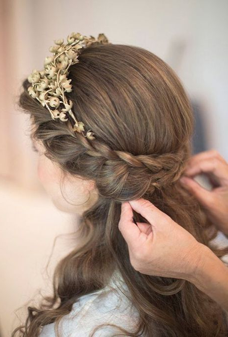 Wedding Hair Idea: Beachy Loose Curls – Kristin Bell's Defined Curls Throughout Double Braid Bridal Hairstyles With Fresh Flowers (View 2 of 25)