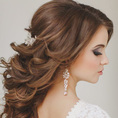 Wedding Hair Tips // Half Up + Half Down Styles Inside Blonde Half Up Bridal Hairstyles With Veil (View 18 of 25)