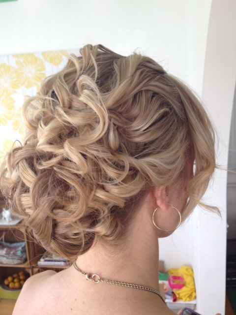 Featured Photo of Airy Curly Updos For Wedding