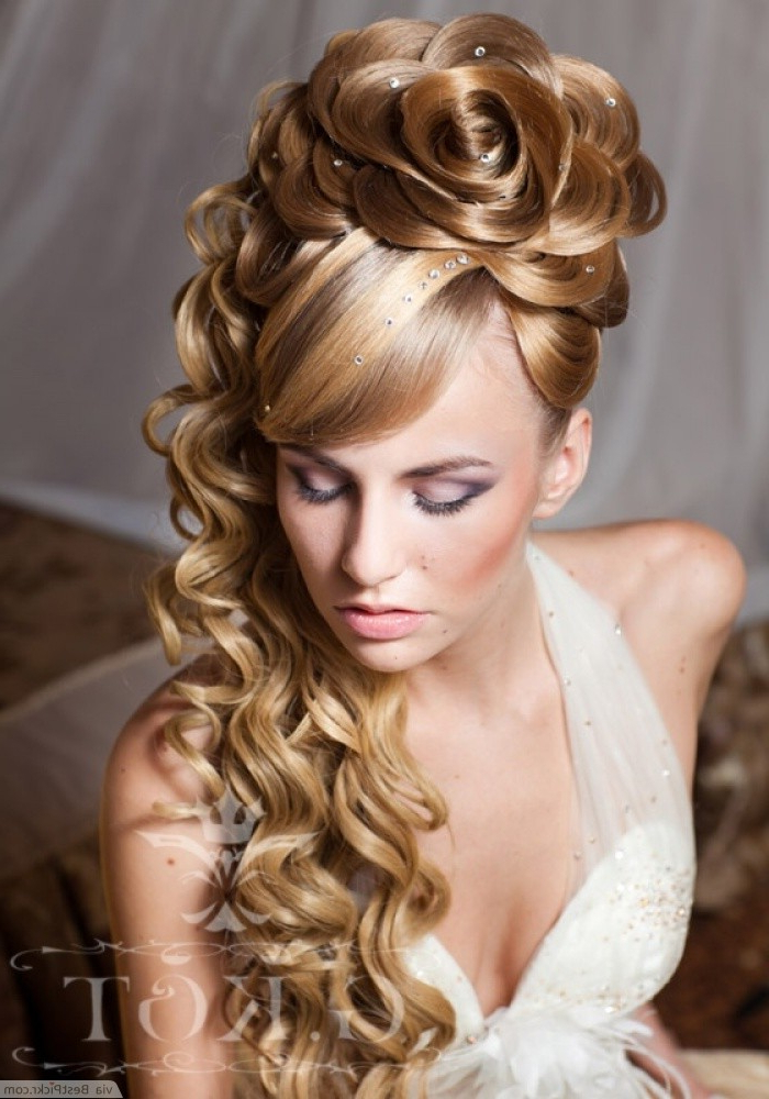 10 Amazing Curly Prom Hairstyles In 2018 | Bestpickr Throughout Elegant Curled Prom Hairstyles (View 2 of 25)