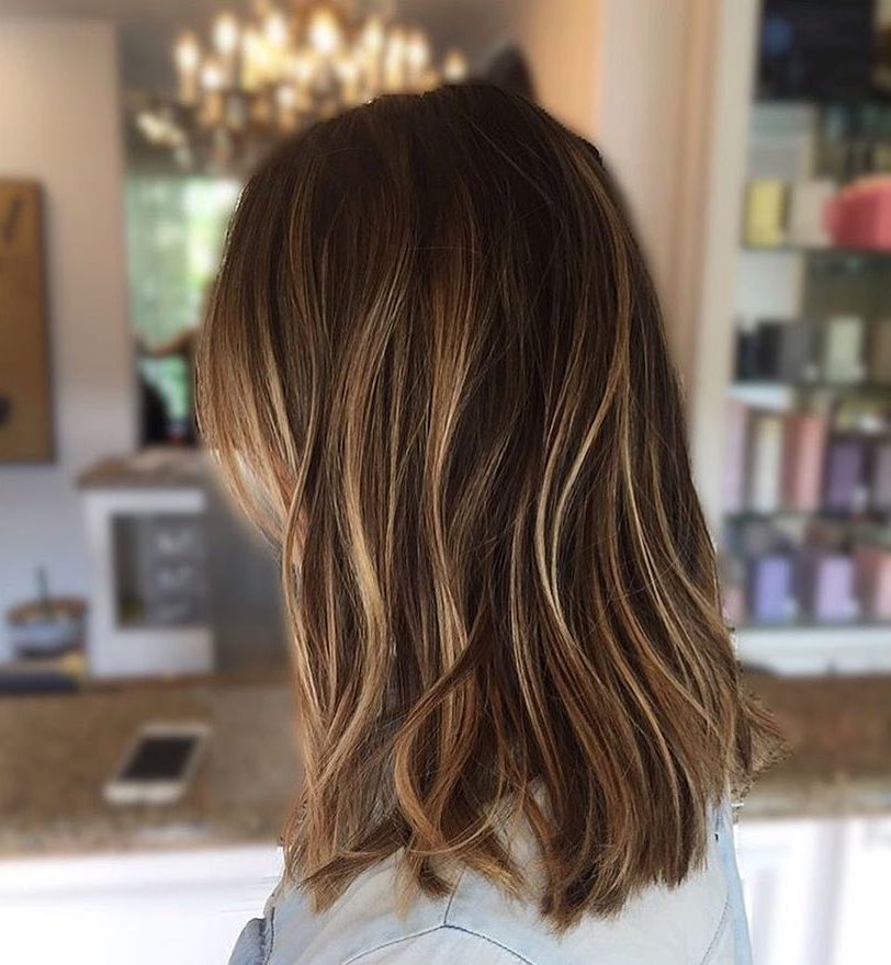 10 Everyday Medium Hairstyles For Thick Hair 2019: Easy Trendy With Medium To Long Haircuts For Thick Hair (View 6 of 25)