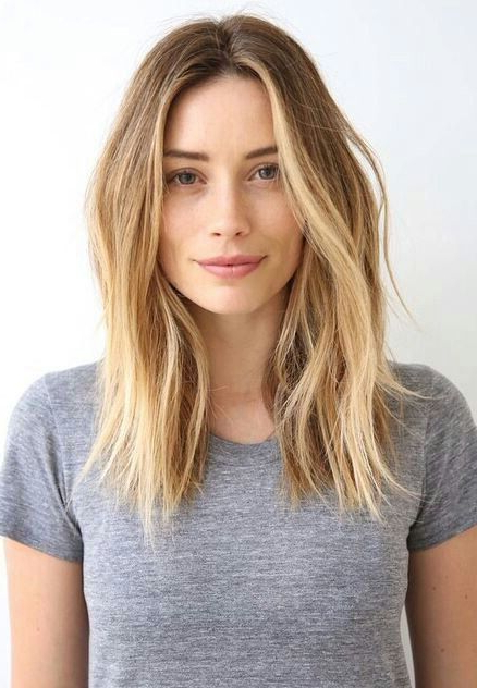 10 Trendy Center Parting Hairstyles (For Short, Medium & Long Hair With Long Hairstyles Middle Part (View 6 of 25)